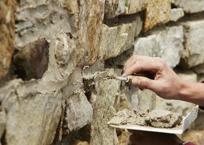 Stuck-Decus-Brakel-Baudenkmalpflege-Bauernhof-Herrentrup-Putz-Bruchsteinarbeiten